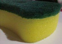 家庭常備-海綿菜瓜布!  它的貼心雙面設計,清潔一般污垢,